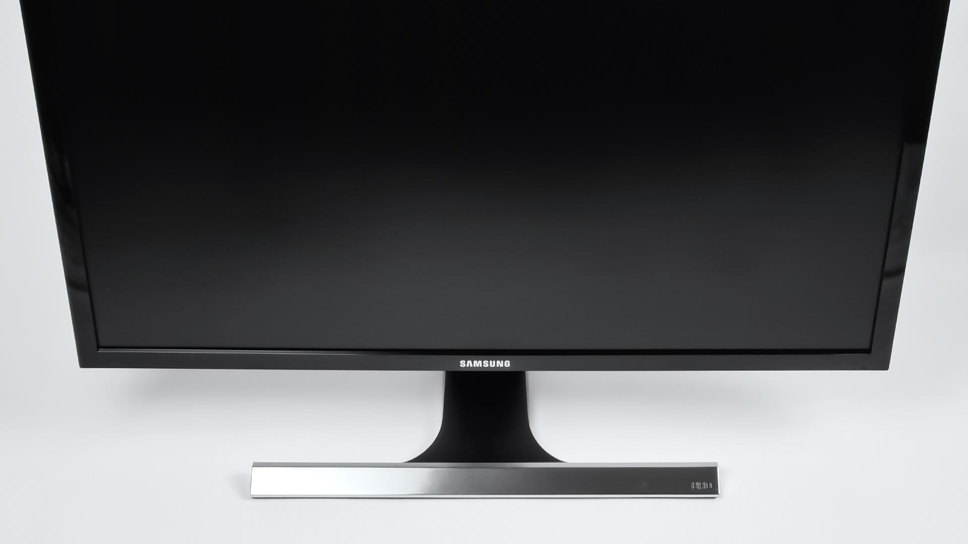 Samsung U28E590D Front Abbildung