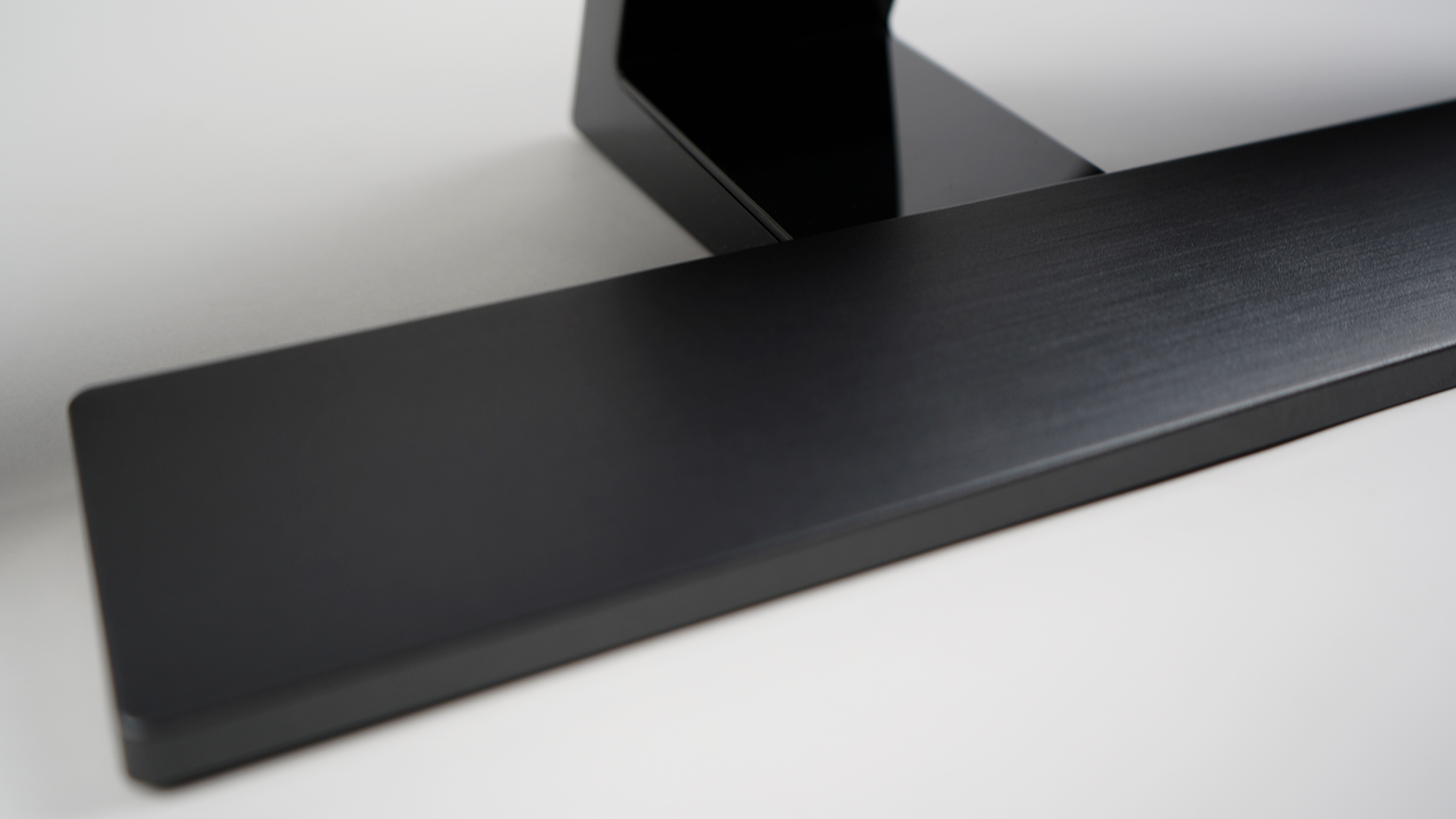 BenQ EL2870U Standfuß Design